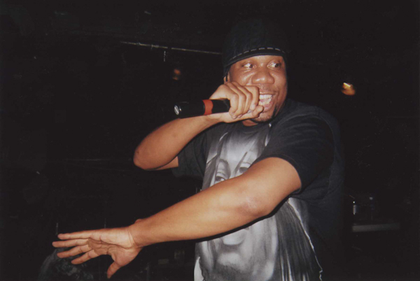 The Blastmaster KRS-One never, I repeat, never breaks rhyme in his shows. Legend.