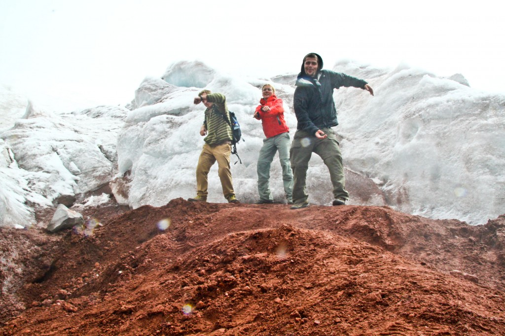 Bustin' a move with mi travel chums at 5000m, Cotopaxi, Ecuador