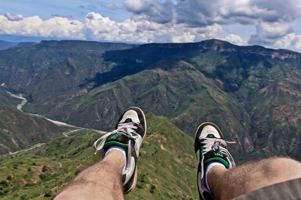 Riding high upon the hot air thermals throughout the vast Cañon de Chicamocha,