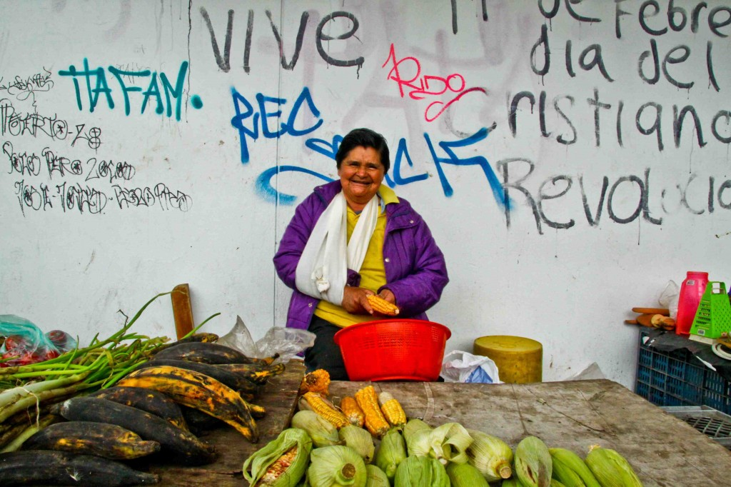 Photo-Portrait-Homage to La querida vecina, my lovely neighborhood vendedora de frutas y verduras en Kennedy, Bogotá, Colombia  Camera: Canon Rebel T1i Lens: Sigma 17-50mm, f/20 Focal Length: 17 mm Exposure settings: 1/100 sec at f/22, ISO 800