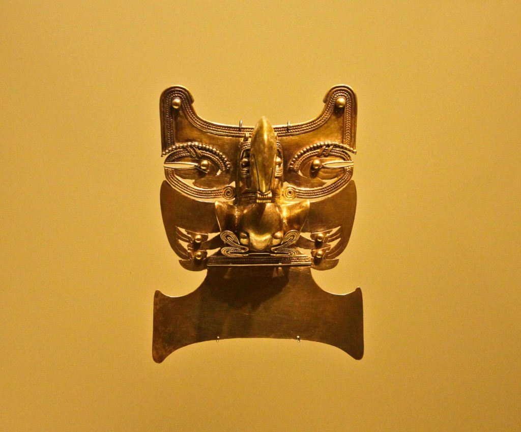 Pre-hispanic gold kept and exhibited in El Museo del Oro, Bogotá 4