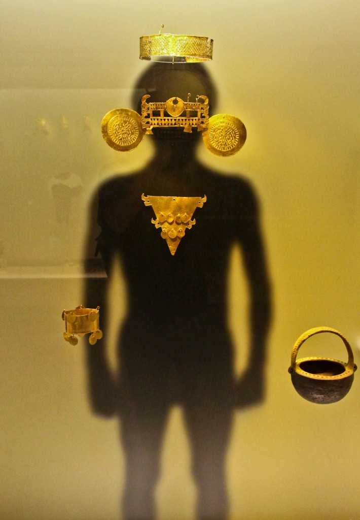 More examples of pre-columbian indigenous metal and gold works housed at El Museo del Oro en Bogotá. It was works like these that gave way for the legend of